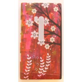 Lumia 900 punaiset kukkakuoret