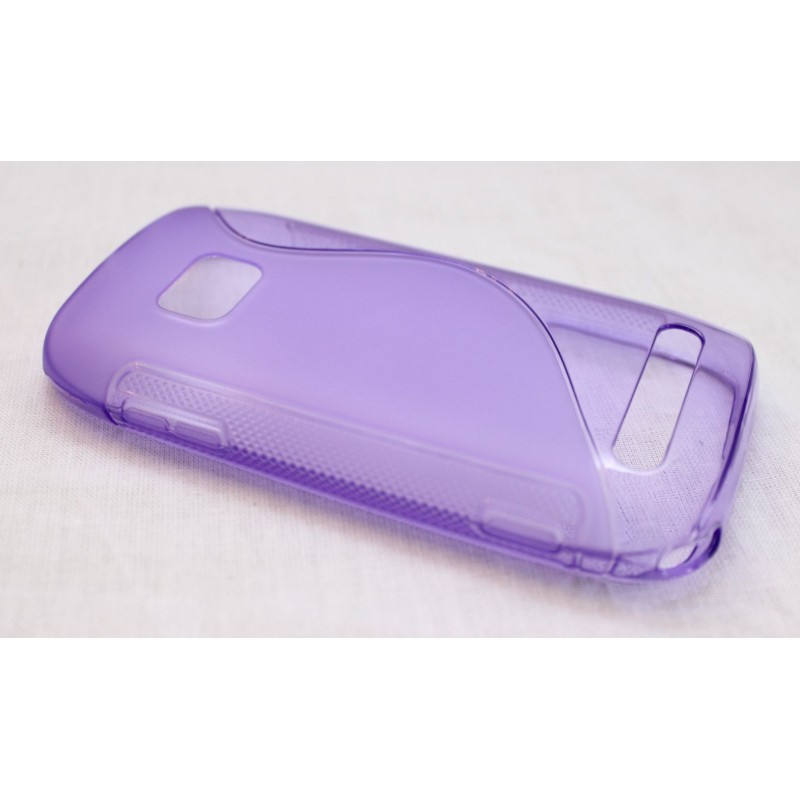 Lumia 710 violetti silikoni suojakuori.