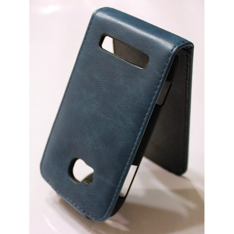 Nokia Lumia 710 sininen nahkainen läppäkotelo.
